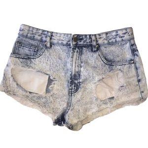F21   Acid Wash Cutoff Jean Shorts
